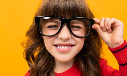 eye specialist doctor