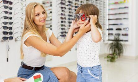 child eye specialist