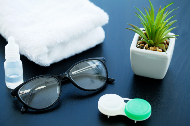 How to choose the right contact lenses for yourself?